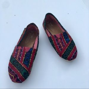 Toms multicolor classic slip ons